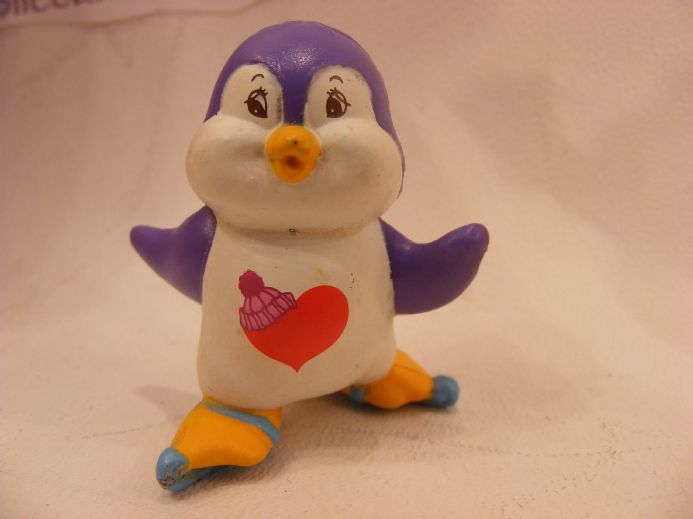 VINTAGE COSY HEART PENGUIN CARE BEARS COUSIN MINIATURE